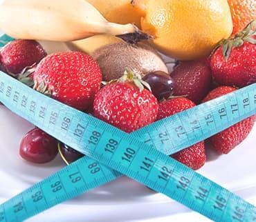 פירות עטופים בסרט מדידה